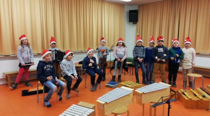 Das Jeki Orchester wünscht frohe Weihnachten.